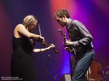 Thumb_nickel_creek_boston_concert_photo_15