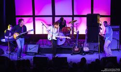 Thumb_real_estate_sinclair_boston_concert_photo_9