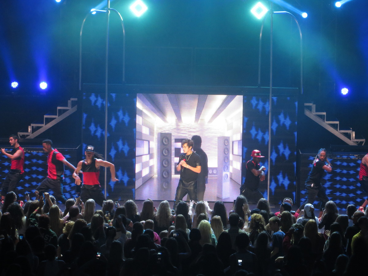 Shawn mendess concert history concert archives thumbimg3783 austin mahone live on tour m4hsunfo