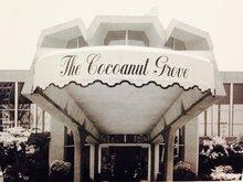 Thumb_ambassador_hotel_entrance_to_cocoanut_grove