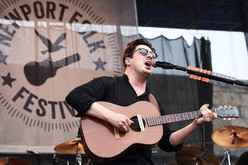 Thumb_25_-_mumford_and_sons_newport_folk_fest_concert_photo