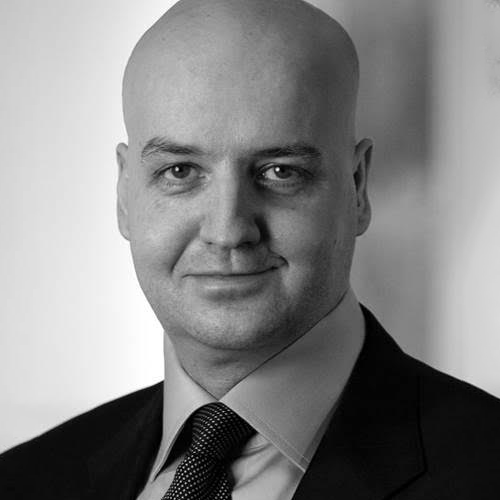 Dr. Lars Buttler