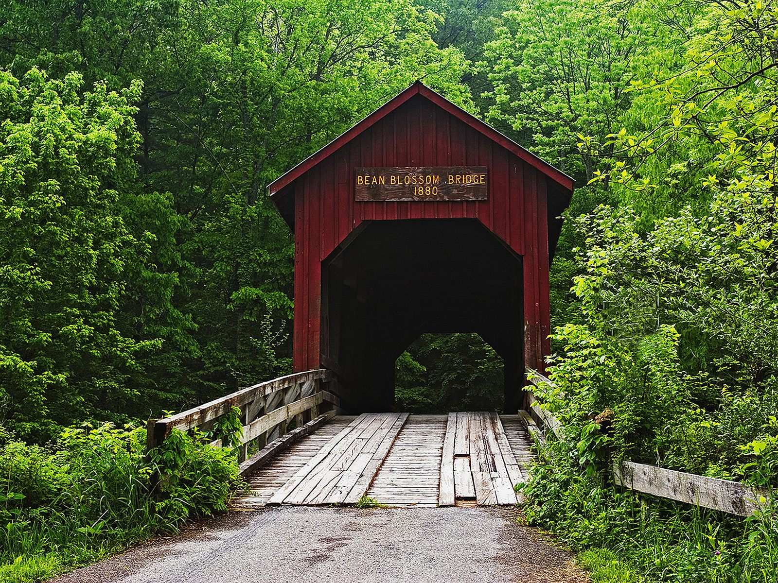 Covered_Bridge_Bean_Blossom_Indiana