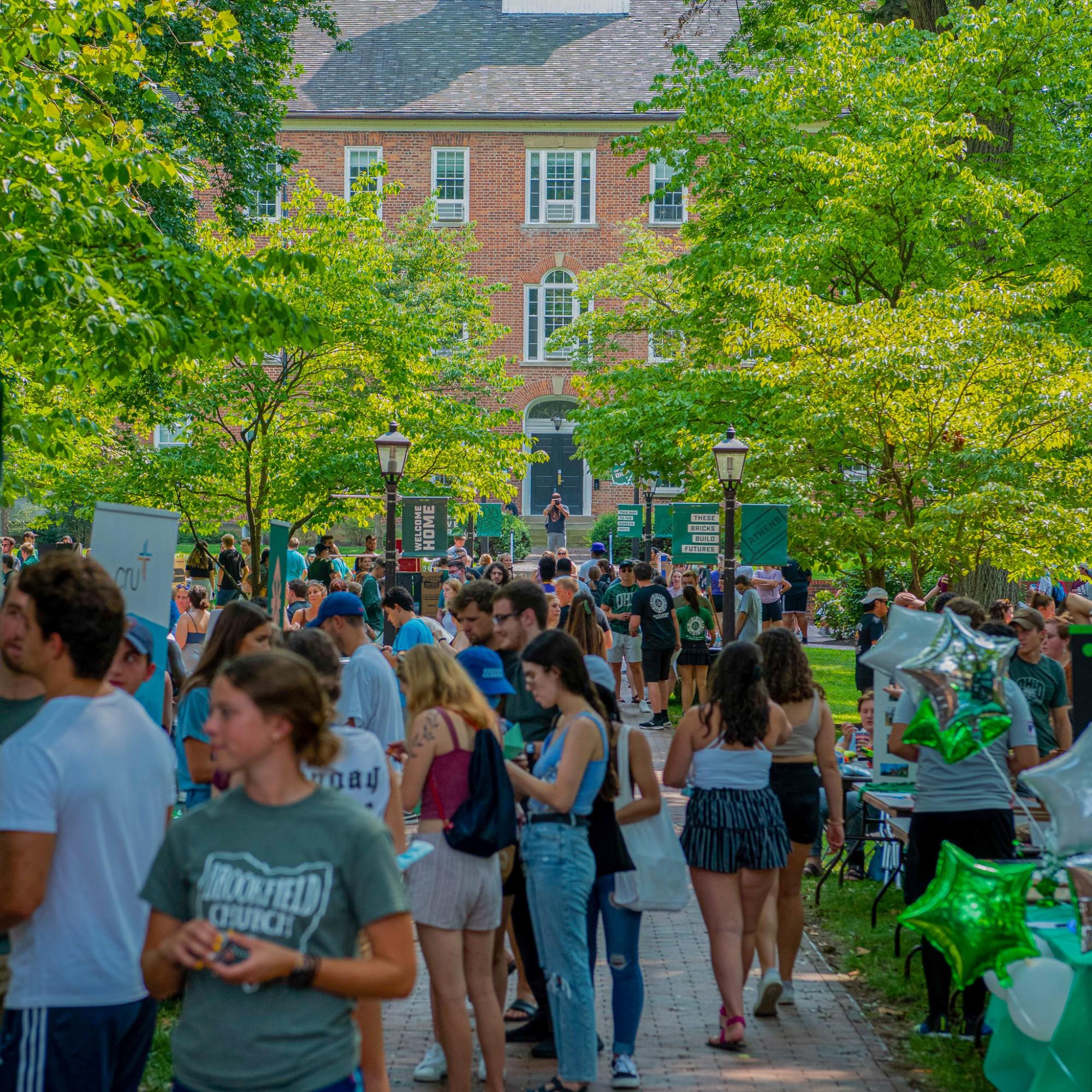 Campus Involvement Fair returns Saturday on College Green. (Photo by Ryan Grzybowski)