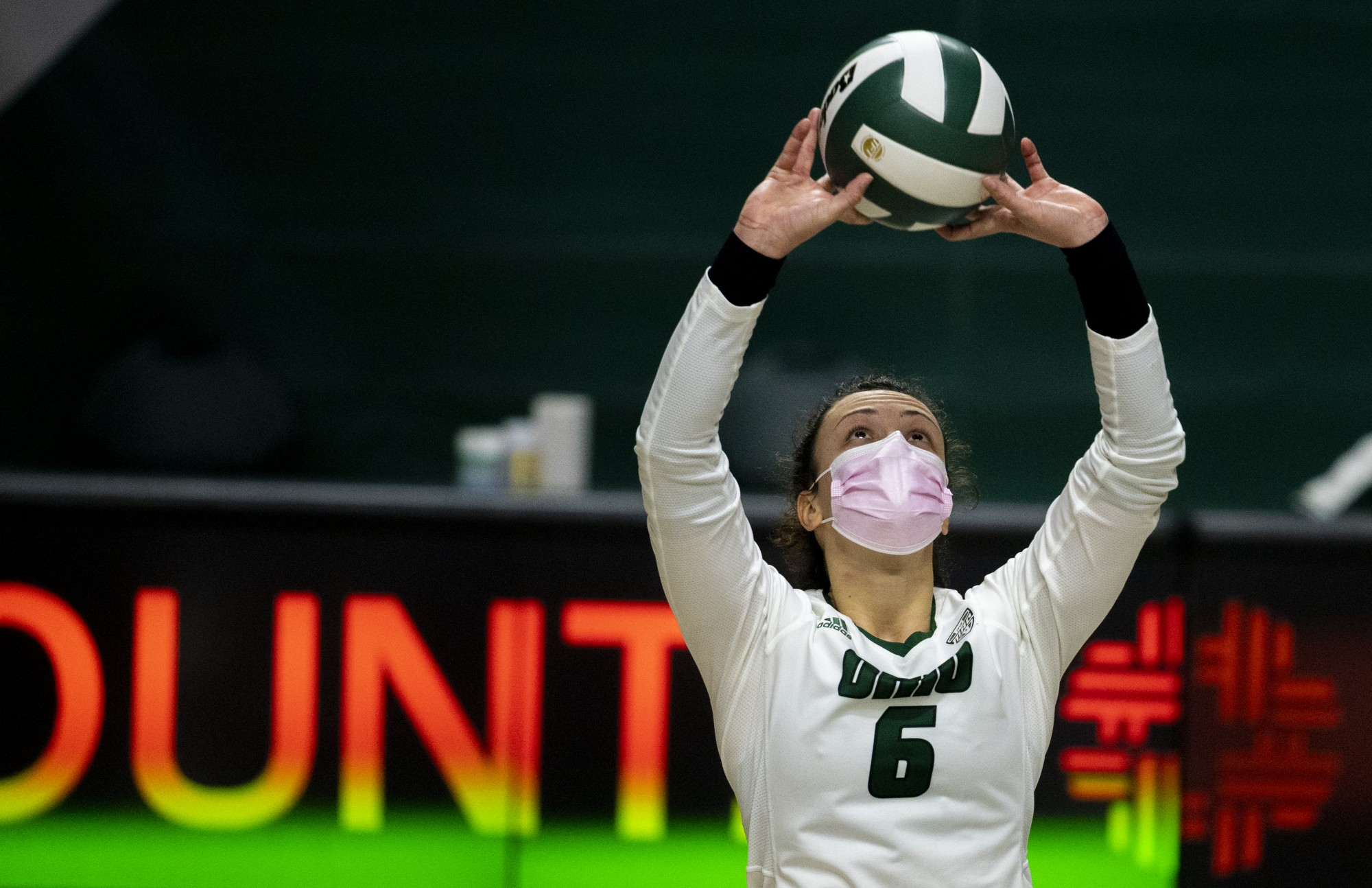 Ohio University setter Vera Giacomazzi (No. 6) sets the ball to middle hitter Tia Jimerson during the home game against Central Michigan University on Saturday, Jan. 23, 2021, in Athens, Ohio.