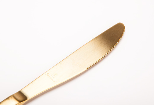 Gold Knife Detail Lg Medium