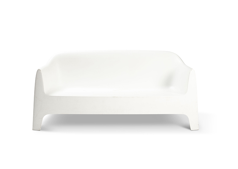 Couch White Plastic Lounge 2280 1620