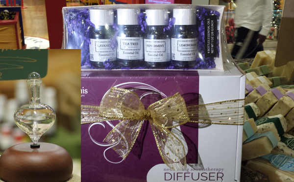 Aromatherapy Gift Pack 1 aromatherapy nebulizing diffuser + 1 Essential Oil Variety Pack (includes 4 essential oils in a compostable tray)