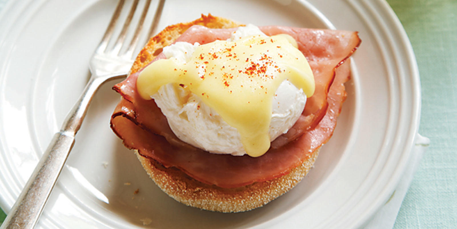 Sobeys | Classic Eggs Benedict with Hollandaise Sauce