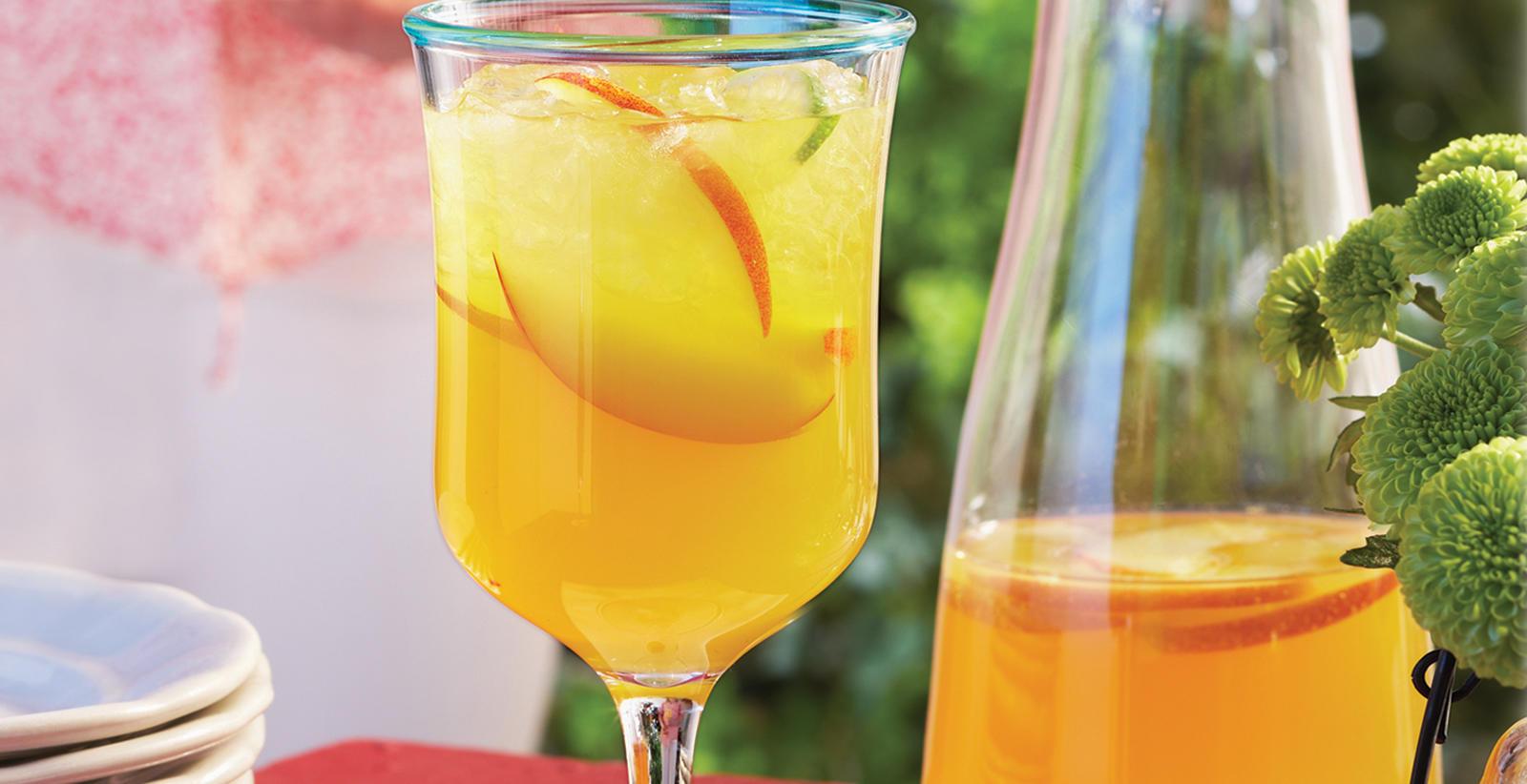 Sobeys cocktail la p che et au whisky for Cocktail whisky miel