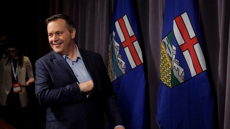 Alberta cuts business tax, boosts infrastructure spending to reboot economy