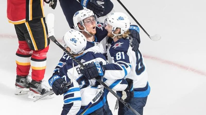 Winnipeg Jets Douse Calgary Flames 3 2 To Even Up Qualifying Series Lethbridge News Now