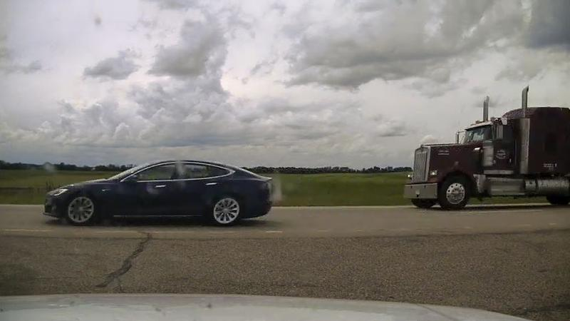 Alberta RCMP charge Tesla driver for speeding and sleeping