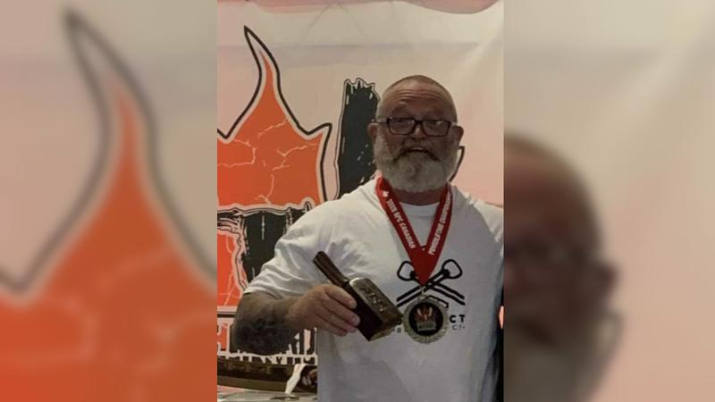 P.A. power lifter breaks two world records