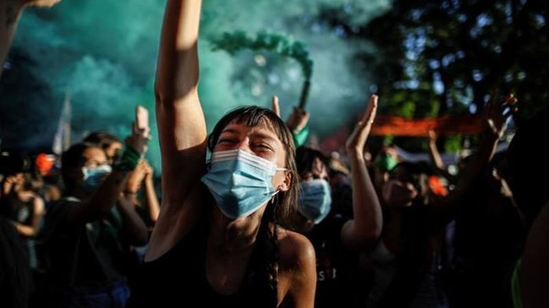 Argentina's lower house approves draft legalizing abortion