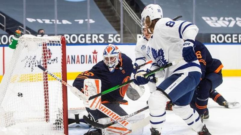 Connor McDavid goes coast-to-coast for another incredible goal against Maple Leafs