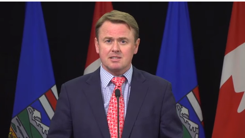 Alberta holding off on moving to Step 3 of relaunch