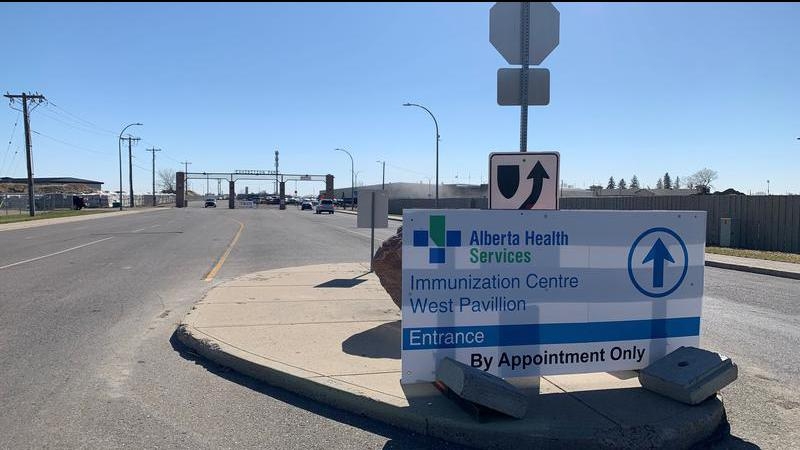 Hinshaw announces new quarantine rules for Albertans who have been vaccinated