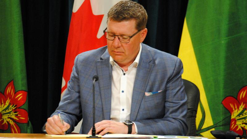 Moe says Sask. hasn't asked for federal help during COVID fourth wave