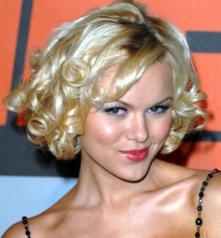 Women's Hairstyles - Temporary Curls