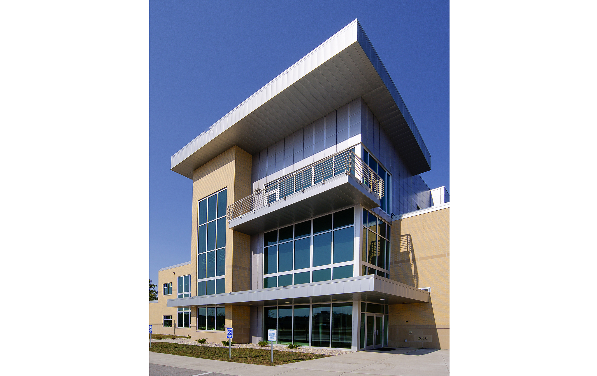 2_Tyco-Center-of-Excellence