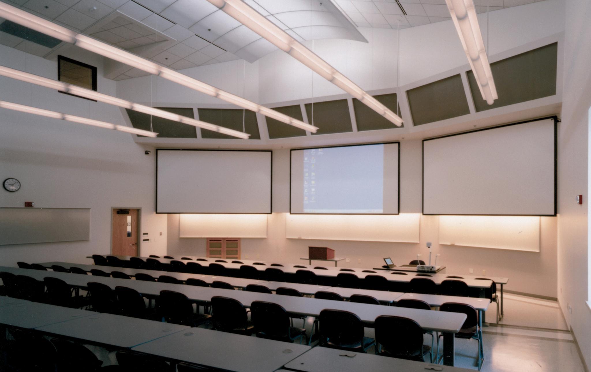 7_UWGB-Mary-Ann-Cofrin-Hall