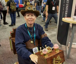 Wondercon 2016 - Steampunk cart 1