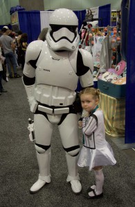 Wondercon 2016 - Stormtrooper and child