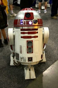 Wondercon 2016 - R2 Builders Red