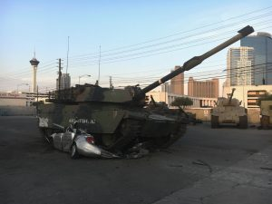 Battlefield Las Vegas - Tank crushing car
