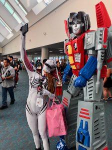 Spider Gwen and Transformer