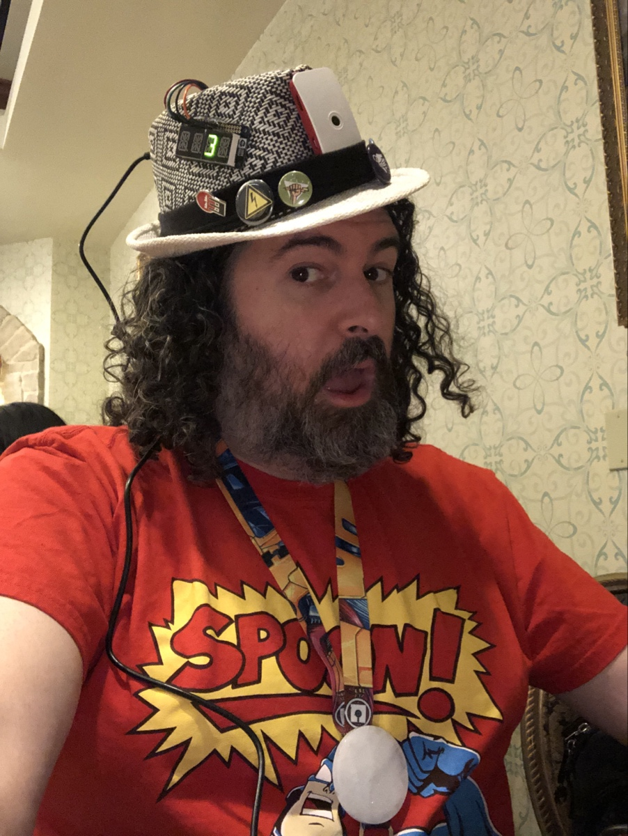 be3n at defcon 27 with defcam streaming hat