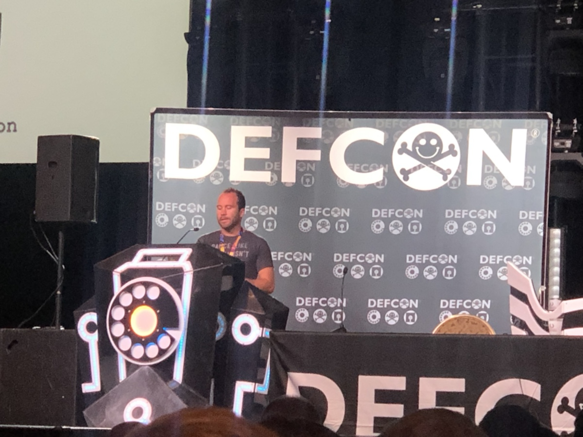Patrick Wardle Speaking at Defcon 27