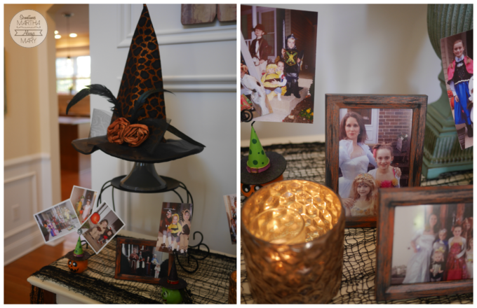 halloween-picture-display-front-hall