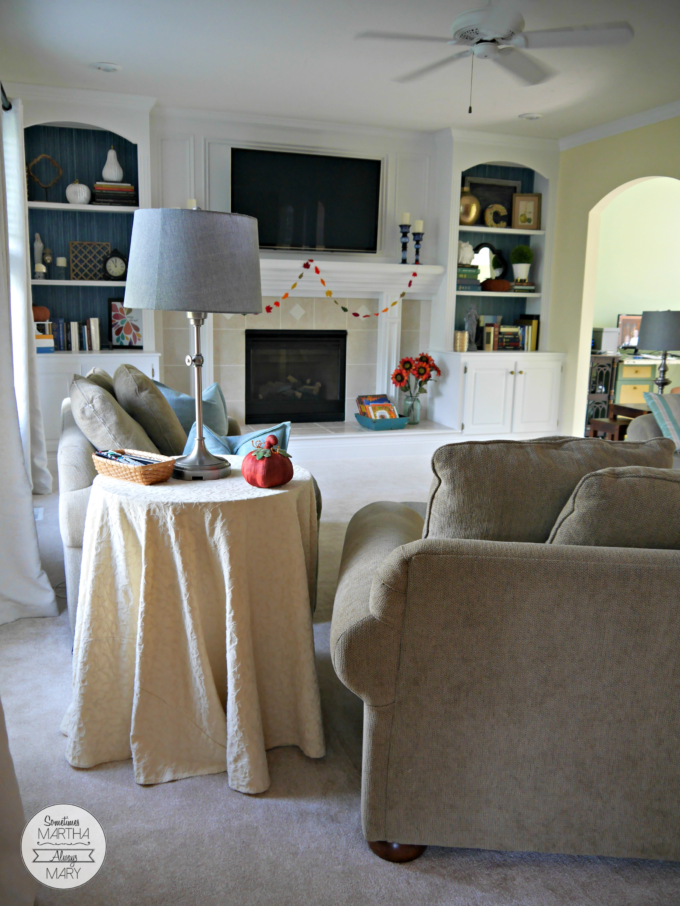 family-room-round-table
