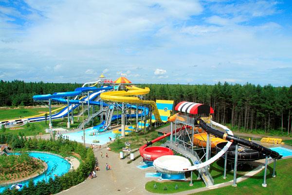 Parc aquatique calypso jeux attractions so montr al for Hotel parc aquatique interieur quebec