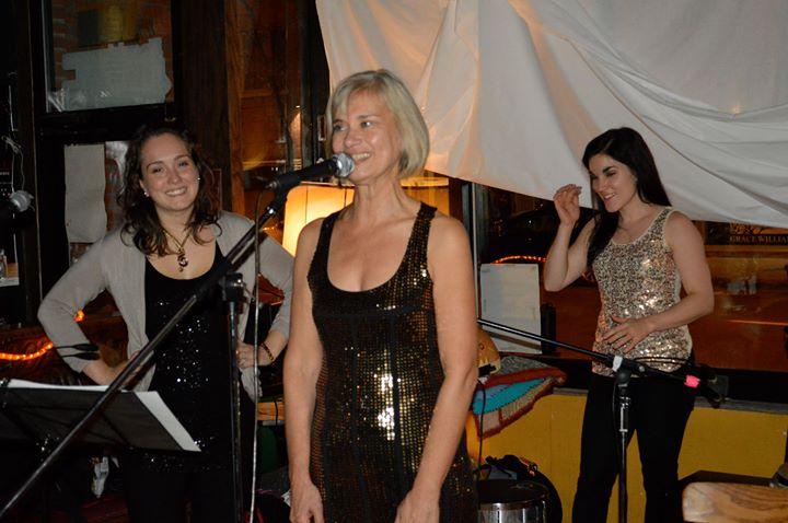 Dimanche en chansons avec Louise Dessertine et son groupe