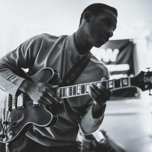 Leon Bridges with Jake Paleschic at Quai Des Brumes (May 2, 2015)