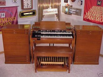 Hammond B3 1966 Fully restored with 2 122 Lesli's