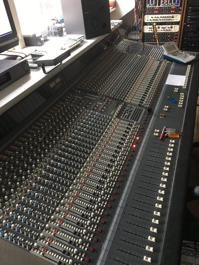 Soundtracs Jade 48 Analog Console (Used)