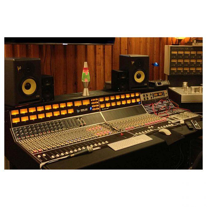 API 1608 48-Channel Recording Console