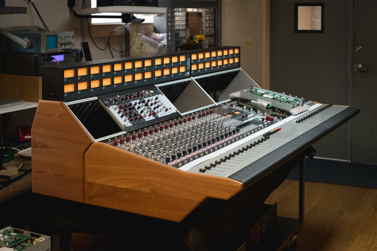A closer look at Rupert Neve Shelford 5088 console build