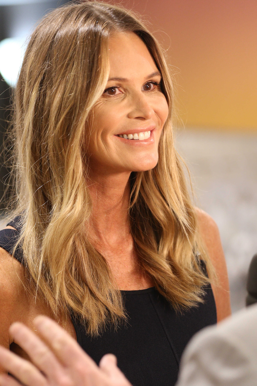 Miami s still married elle macpherson caught on date with for Elle elle