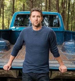 Country music superstar Josh Turner will headline the Seminole Tribe of Florida's Big Cypress Celebration @  Junior Cypress Rodeo and Entertainment Complex | Clewiston | Florida | United States