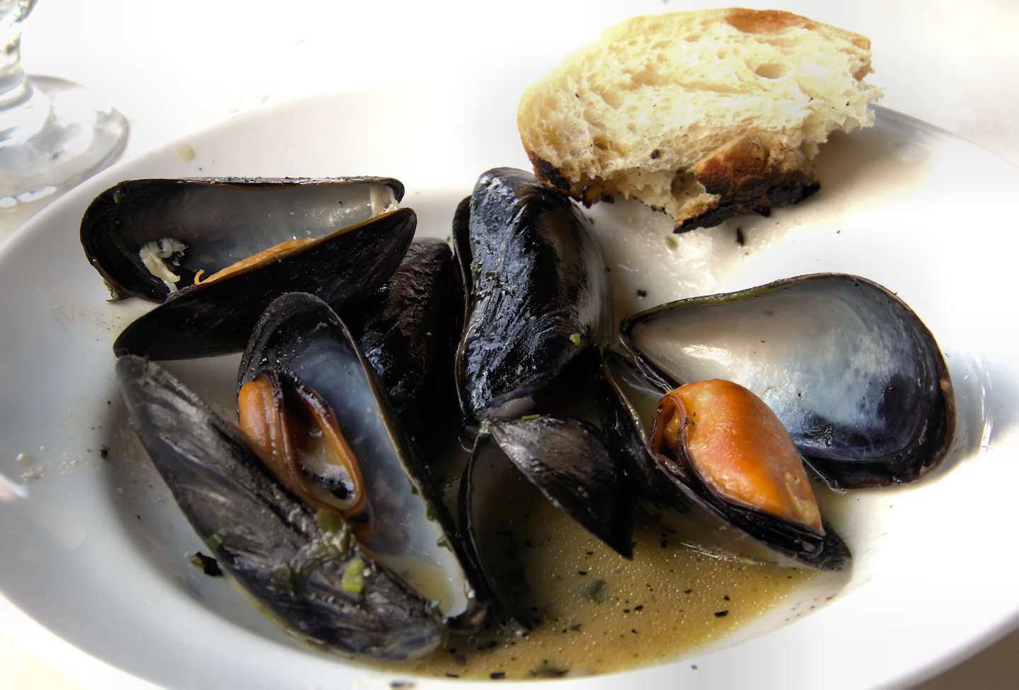 Deconstructed mussels al forno