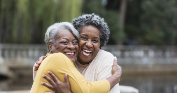 5 Ways To Make New Friends & Strengthen Old Friendships