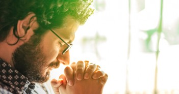 8 Scriptures to Fight Fear in Life