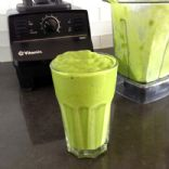 Copycat {whole foods} Tropical Green Smoothie