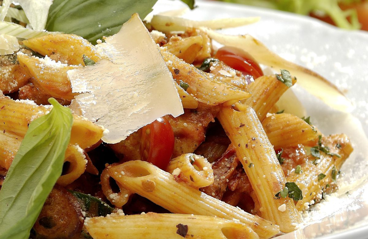 Tapenade and Spinach Pasta