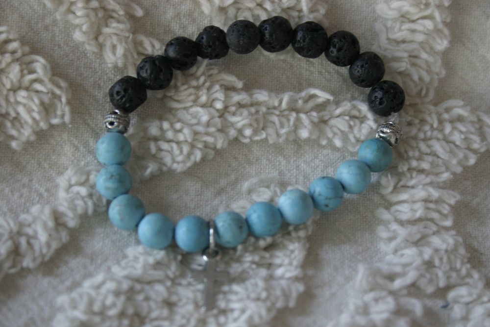 Essential Oil Bracelet/blue Beads W/cross